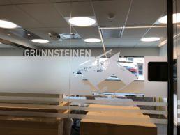 Folie dekor på glassveggene til Opaks nye hovedkontor på Skøyen.